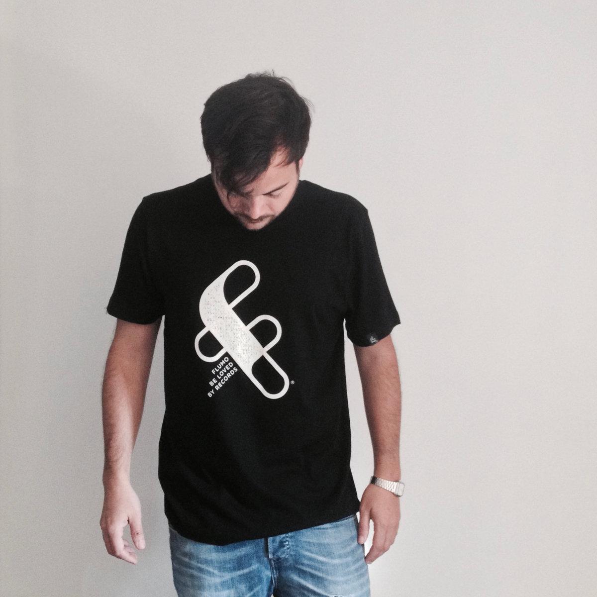 black tshirt 1