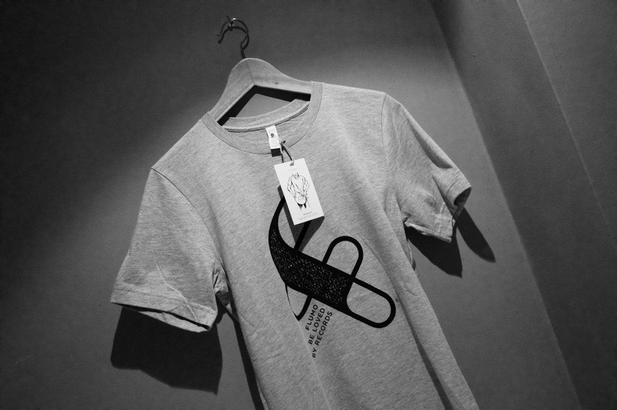 grey tshirt 1